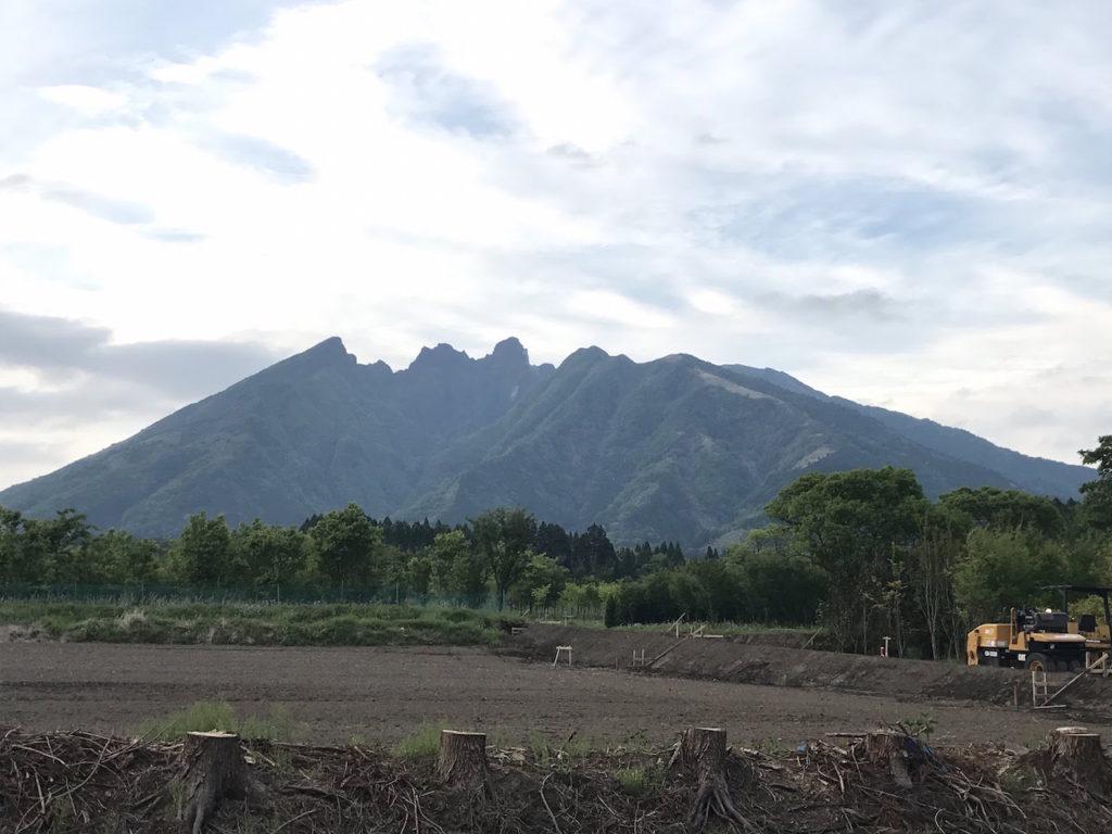 南側からの根子岳