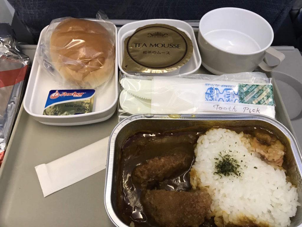 福岡から大連までの機内食