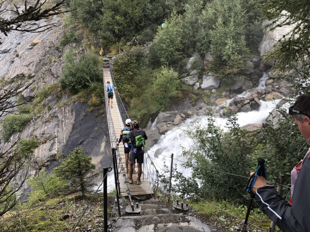 大迫力の吊橋