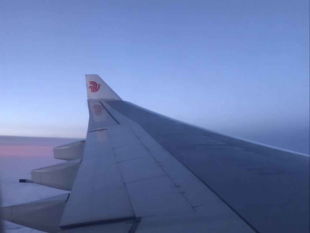飛行機の中は退屈